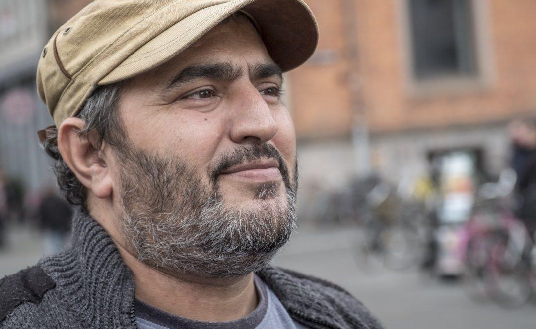 Lo scrittore e attivista palestinese Khaled Barakat ha censurato e vietato qualsiasi attività politica in Germania!