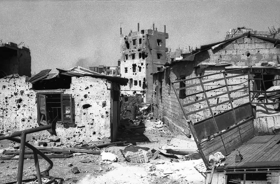 12 août 1976: Massacre du camp de réfugiés palestiniens Tel Al-Zaatar à Beyrouth