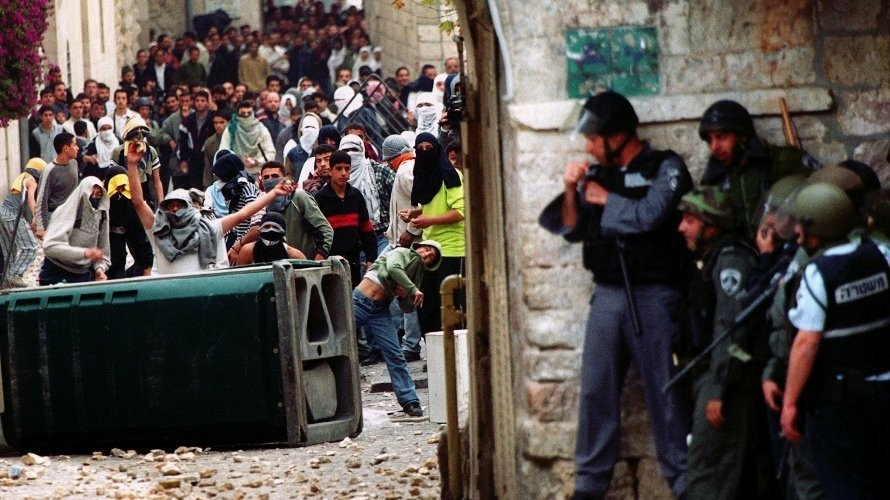 Le 28 septembre 2000, l'Intifada Al-Aqsa éclate contre l'occupation israélienne