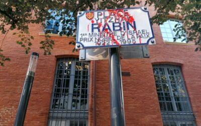 La Place Yitzhak Rabin aspergée de peinture rouge à Toulouse