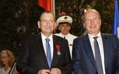 La France décore Ron Huldai, maire de Tel Aviv et criminel de guerre